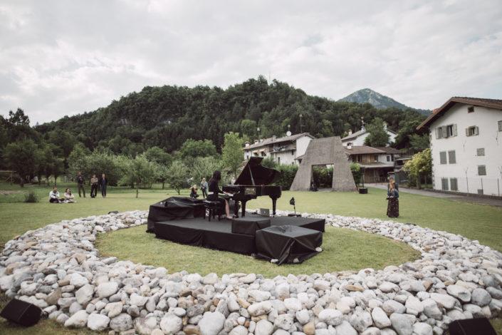 Art-Park-Arte-Natura-Musica-Collezione-Egidio-Marzona-Collezionista-Daniel-Galleria-Monika-Zak-Branicka-Eva-Basso-Agnese-Toniutti-Contemporary-Contemporanea-Artista-Artist-Artists-Artisti-Musicisti-Musicista-Musician-Musicians-Curator-Curators-Event-Festival-Gig-Concert-Live-Concerto-Evento-Performance-Performances-Italy-Italia-Friuli-Venezia-Giulia-Carnia-Tolmezzo-Verzegnis-Parco-Giardino-Montagna-Mountains-Montagne-Mountain-Wild-Free-Libero-Lake-Lago-River-Fiume-Walking-Camminare-Escursione-Walk-Talk-Guided-Tour-Tourism-North-Nord-Collector-Dresden- Staatliche-Kunstsammlungen-Bielefeld-italo-tedesco-deutsch-italienischer-Galerist-Kunstsammler-Sammlung-Avantgarde-Kunstsammlung-Bauhaus-Duchamp-Dada-Fluxus-Conceptual-Concettuale-Minimal-Minimalismo-Friaul-Nordosten-Italien-Deutschland-Italiens-Povera-Minimalismus-Concept-Ideas-Archiv- Archivio-Staatlichen-Museen-Berlin-Berlino-Germania-Germany-Archiv-der-Avantgarden-Ada-Dresda-Bruce-Nauman-Lawrence-Weiner-Richard-Serra-Richard-Nonas-Dan-Graham-Jannis-Kounellis-Mario-Merz-Richard-Long-EvaBasso-Germano-Celant-Arteventi-Udine-Trieste-Pordenone-Zoncolan-Villa-Santina-Arzino-Gnaustock-gnaus-Igersfvg-fvg-Igers-Instagram-Facebook-Pace-Peace-Imperdibile-Unico-Internazionale-International-Around-Travel-Traveller-Viaggi-Viaggio-Giugno-June-Peter-Kogler-Grosvenor-Vincent-Pèraro-Perraro-Sculpture-Scultura-Land-Art-Earth-Works-Stephen-Kaltenbach-Marcus-Schneider-Photographer-Photography-Casa-Design-Home-Museum-Museo-Rete-Museale-Carnia-Musei-UTI-Comune-Verzegnis-Treppo-Carnico-Galleria-Arte-Moderma-De-Cilla-Enrico-Museo-Carnico-delle-Arti-popolari-Michele-Gortani-Salotto-Musicale-FVG-Hauskonzerte-Sol-Le-Witt-SolLeWitt-Robert-Barry-Guggenheim-Peggy-New-York-Moma-Fondazione-Prada-Castello-di-Rivoli-Fondazione-Trussarti-Massimiliano-Gioni-Lara-Facco-Cecilia-Canziani-Simone-Menegoi-IED-Roma-Rome-Venice-Venezia-Biennale-Mostra-Internazionale-Bernd-Lohaus-Lapsus-Video-Coro-Pop-Magico-Butik-Colelctive-Rave-East-Village-Residency-Isabell